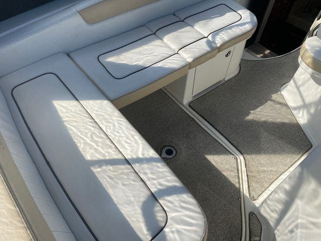 2009 Sea Ray boat for sale, model of the boat is 250 SUNDANCER & Image # 9 of 21
