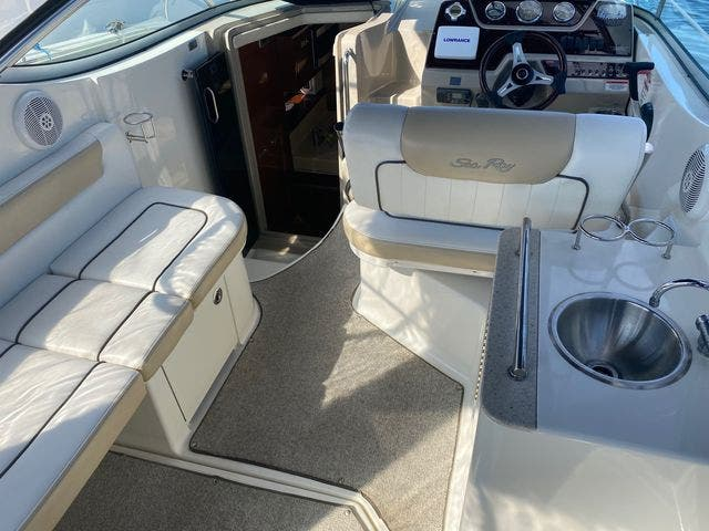 2009 Sea Ray boat for sale, model of the boat is 250 SUNDANCER & Image # 11 of 21