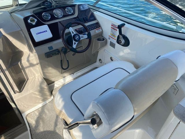 2009 Sea Ray boat for sale, model of the boat is 250 SUNDANCER & Image # 12 of 21
