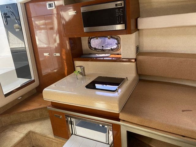 2009 Sea Ray boat for sale, model of the boat is 250 SUNDANCER & Image # 15 of 21