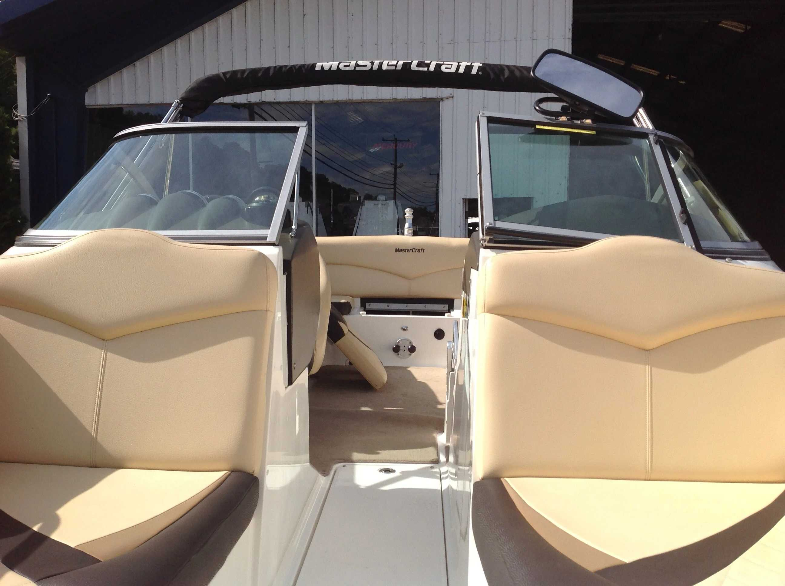 2010 Mastercraft boat for sale, model of the boat is Maristar 235 & Image # 5 of 16