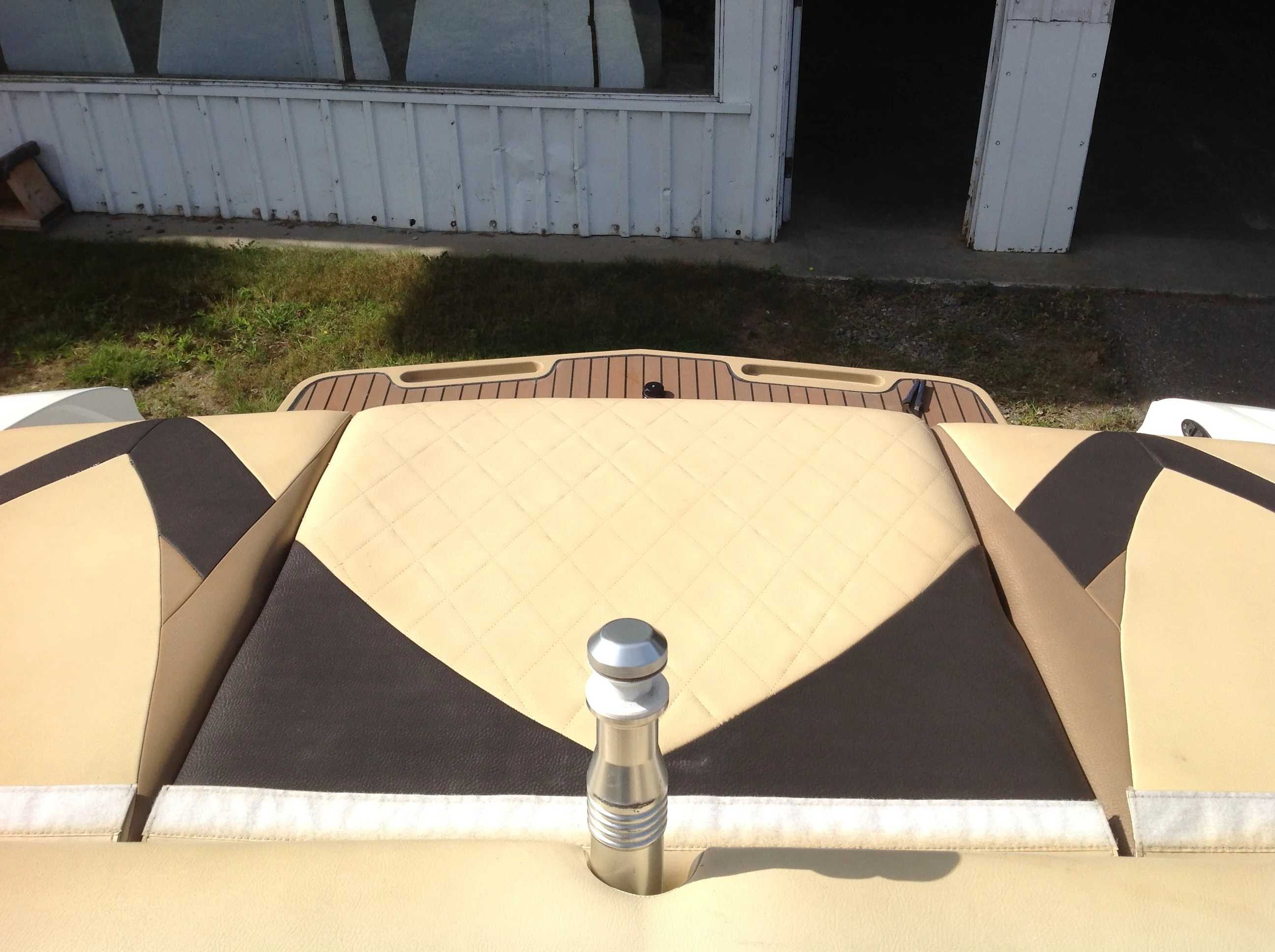 2010 Mastercraft boat for sale, model of the boat is Maristar 235 & Image # 14 of 16