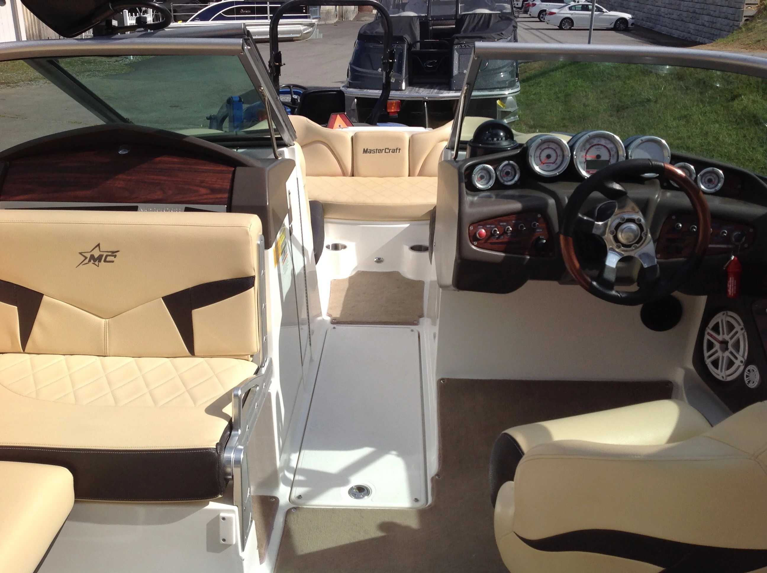 2010 Mastercraft boat for sale, model of the boat is Maristar 235 & Image # 12 of 16