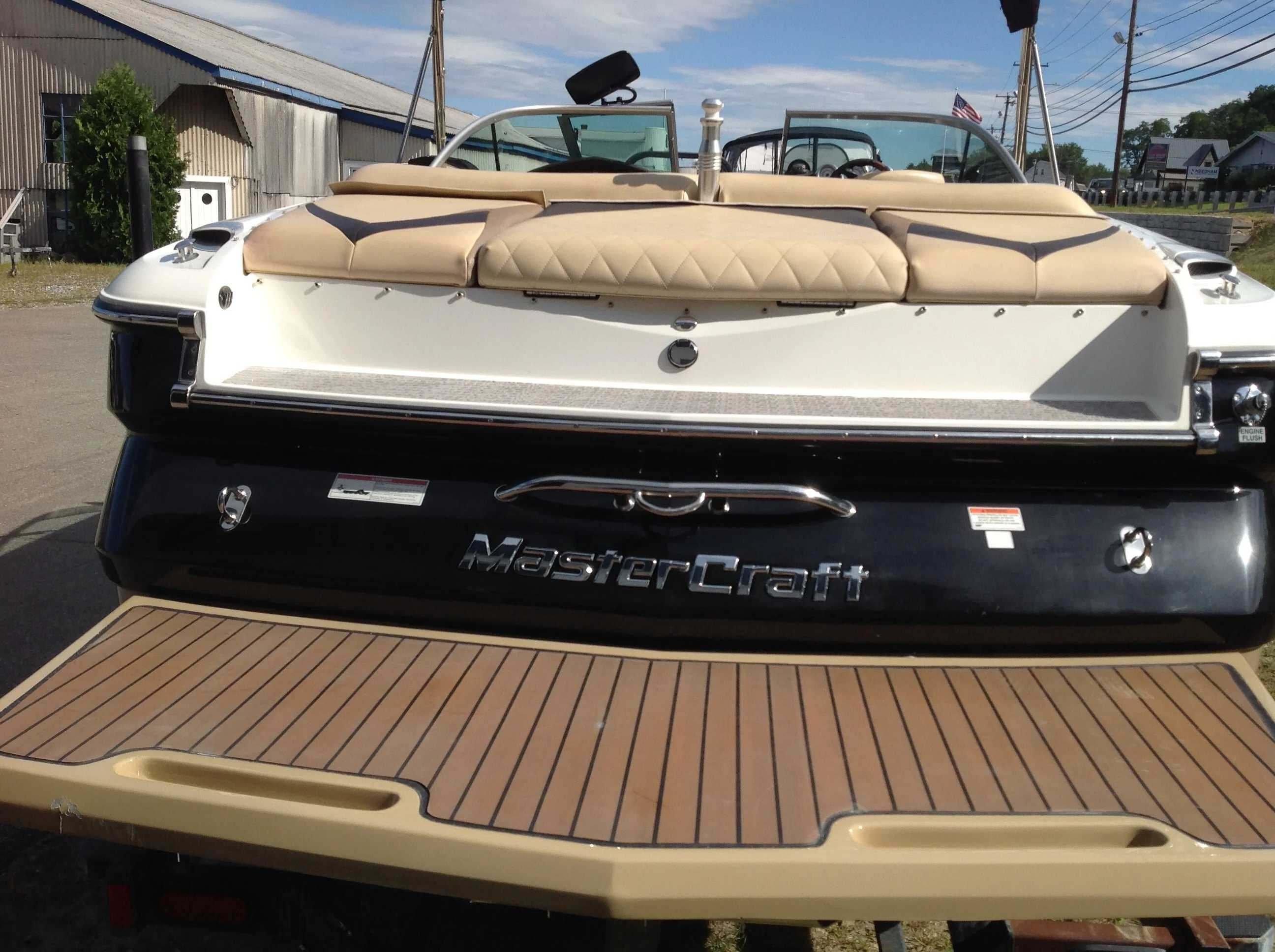 2010 Mastercraft boat for sale, model of the boat is Maristar 235 & Image # 15 of 16