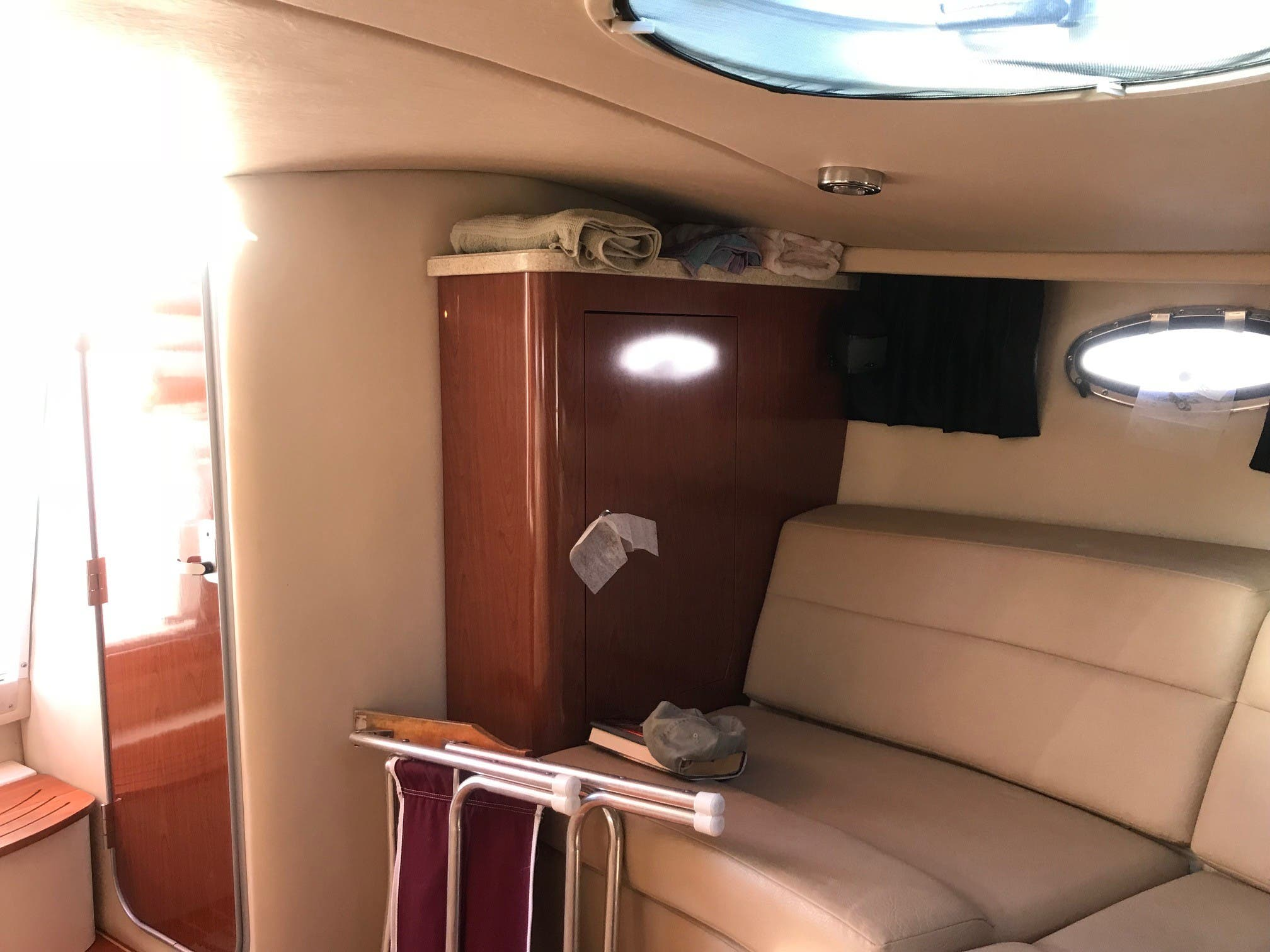 2011 Regal boat for sale, model of the boat is 3350 & Image # 11 of 16