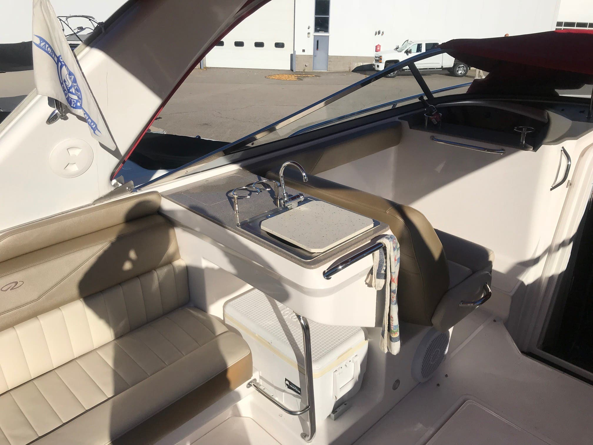 2011 Regal boat for sale, model of the boat is 3350 & Image # 7 of 16