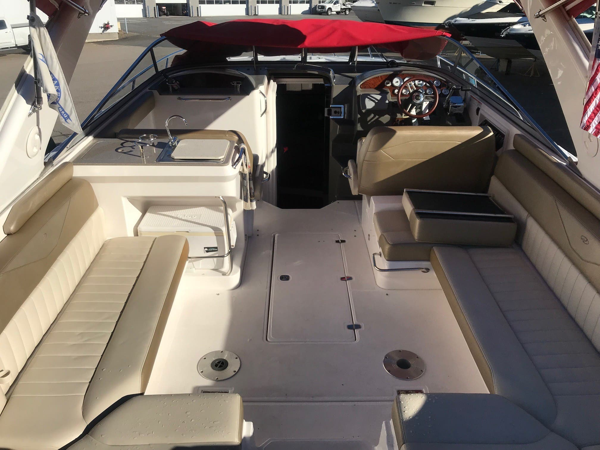 2011 Regal boat for sale, model of the boat is 3350 & Image # 6 of 16