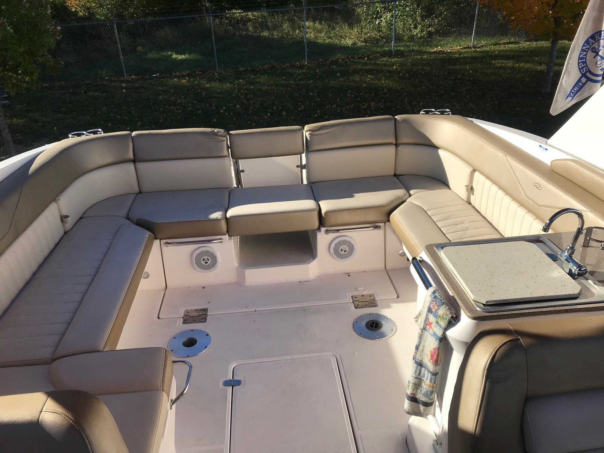 2011 Regal boat for sale, model of the boat is 3350 & Image # 8 of 16