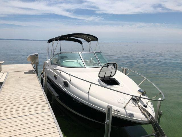 2011 Sea Ray boat for sale, model of the boat is 240 SUNDANCER & Image # 3 of 26