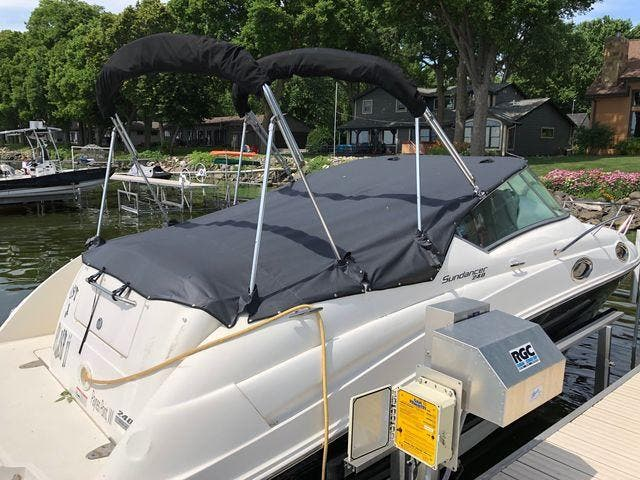 2011 Sea Ray boat for sale, model of the boat is 240 SUNDANCER & Image # 7 of 26