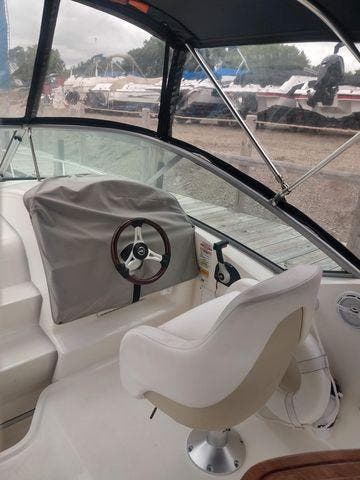 2011 Sea Ray boat for sale, model of the boat is 240 SUNDANCER & Image # 15 of 26