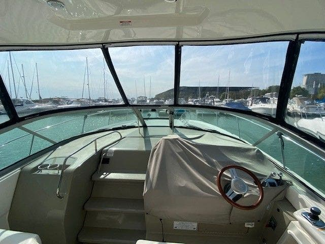 2011 Sea Ray boat for sale, model of the boat is 370 SUNDANCER & Image # 11 of 28
