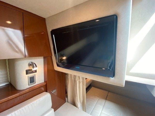 2011 Sea Ray boat for sale, model of the boat is 370 SUNDANCER & Image # 21 of 28