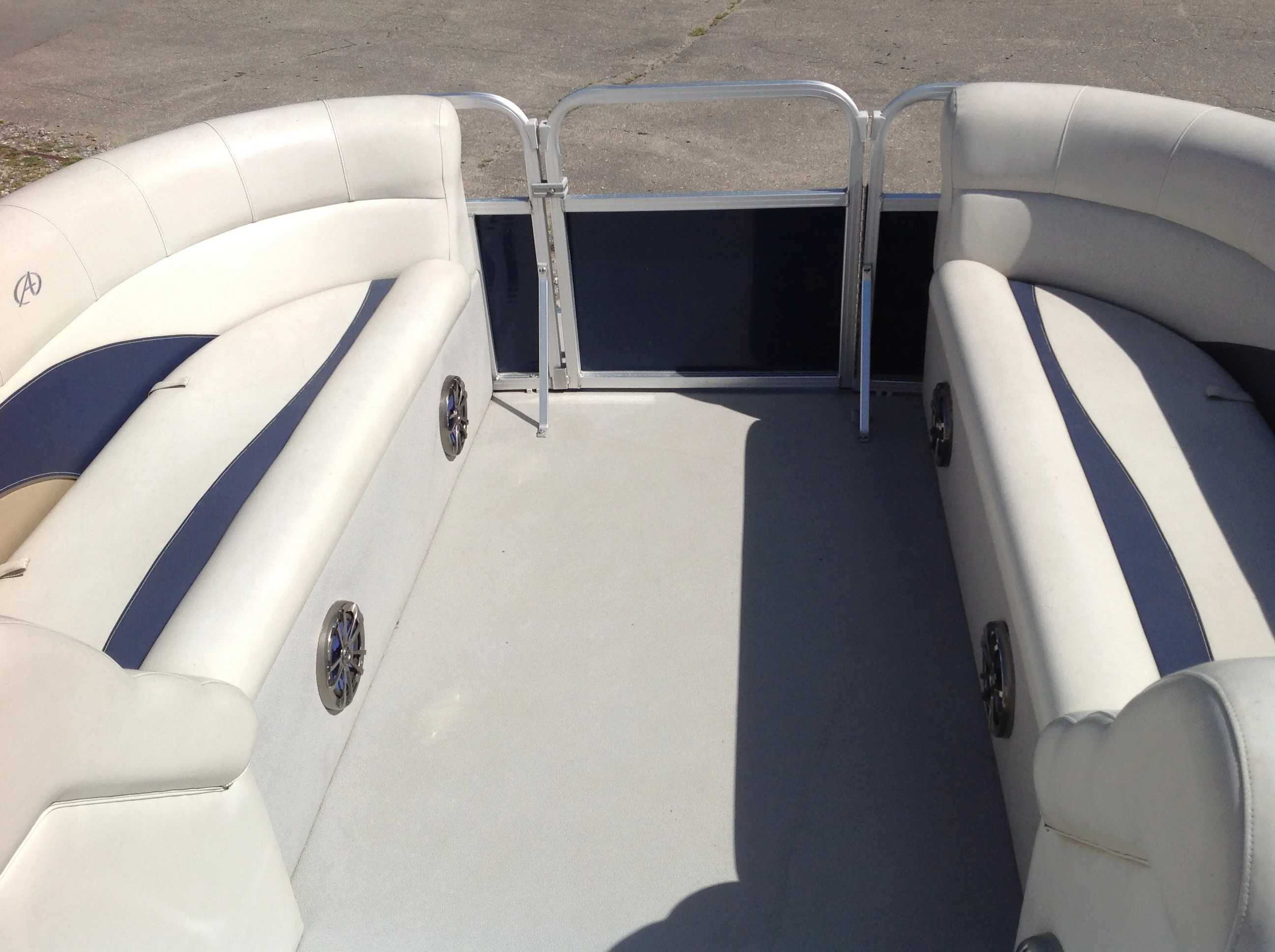 2012 Avalon boat for sale, model of the boat is Catalina Drl 2485 & Image # 3 of 14