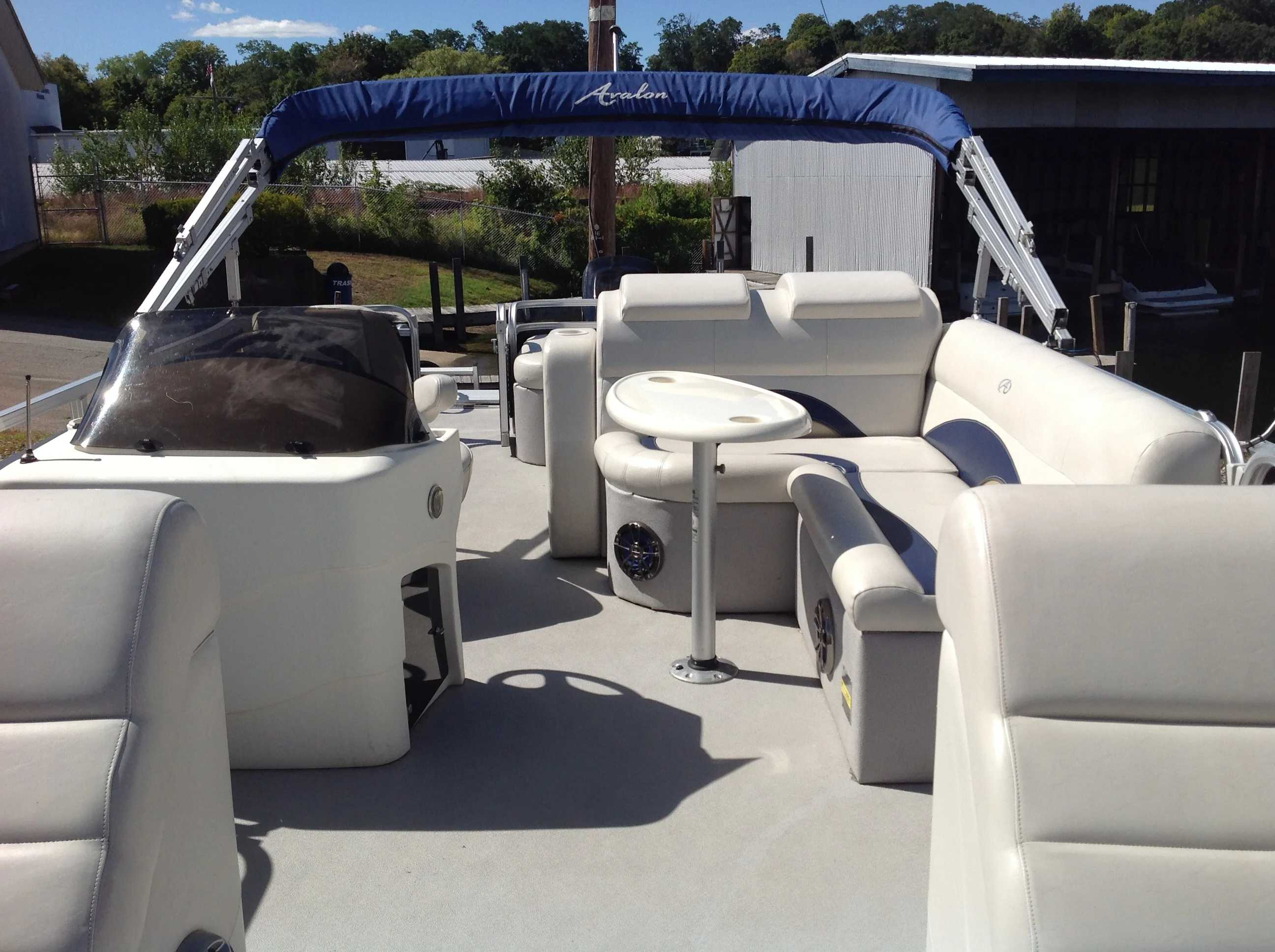 2012 Avalon boat for sale, model of the boat is Catalina Drl 2485 & Image # 7 of 14
