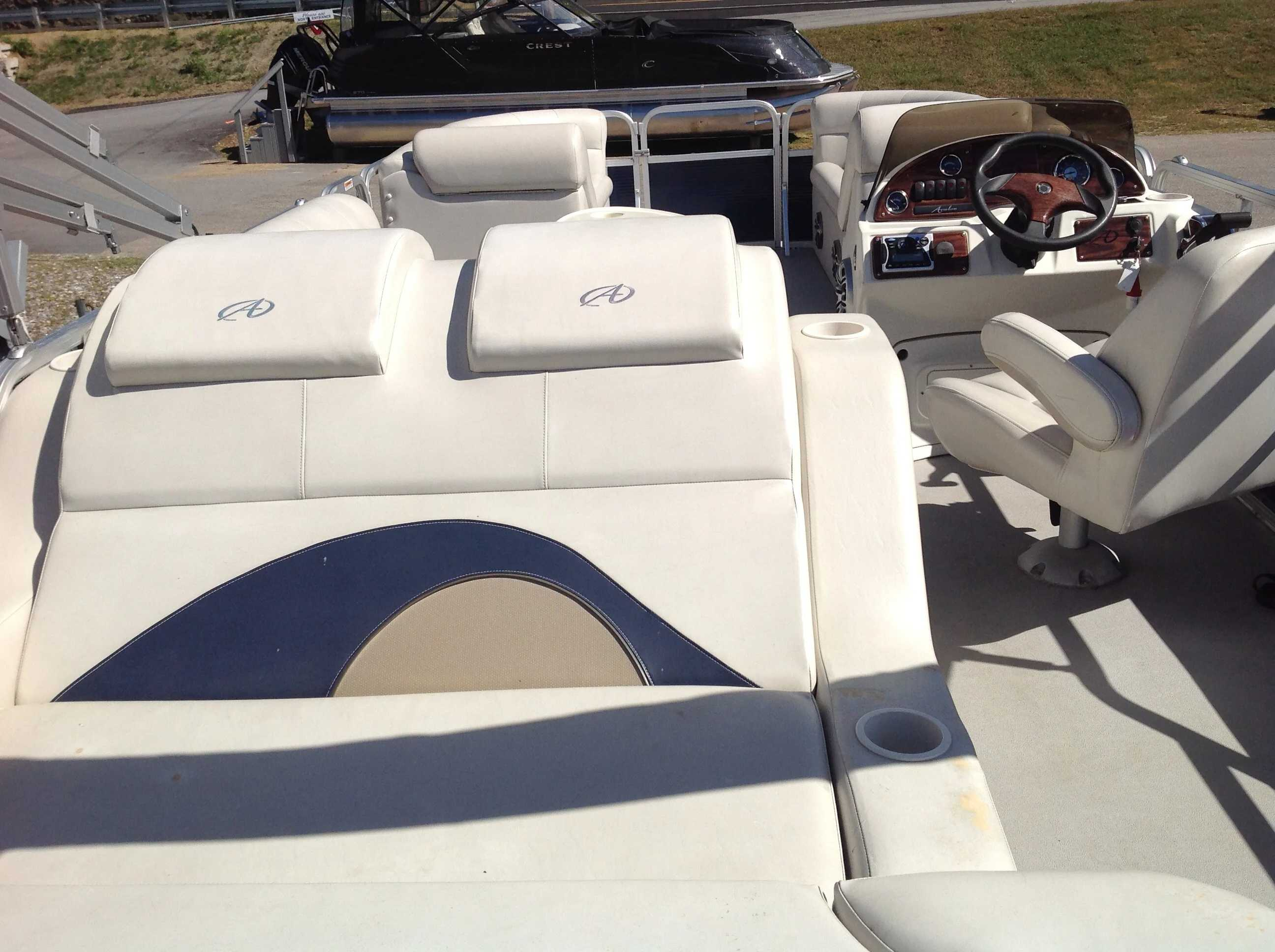 2012 Avalon boat for sale, model of the boat is Catalina Drl 2485 & Image # 11 of 14