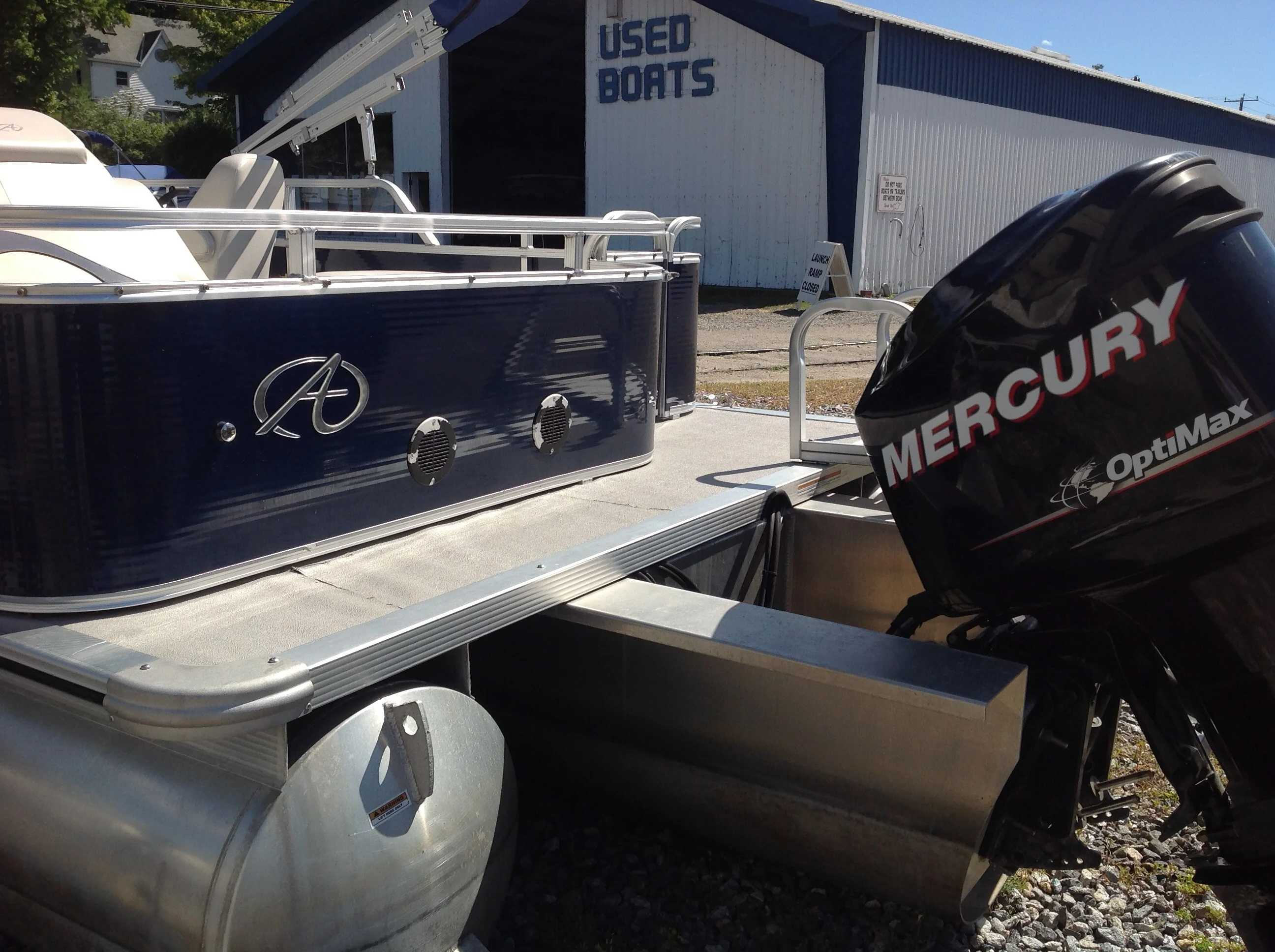 2012 Avalon boat for sale, model of the boat is Catalina Drl 2485 & Image # 13 of 14