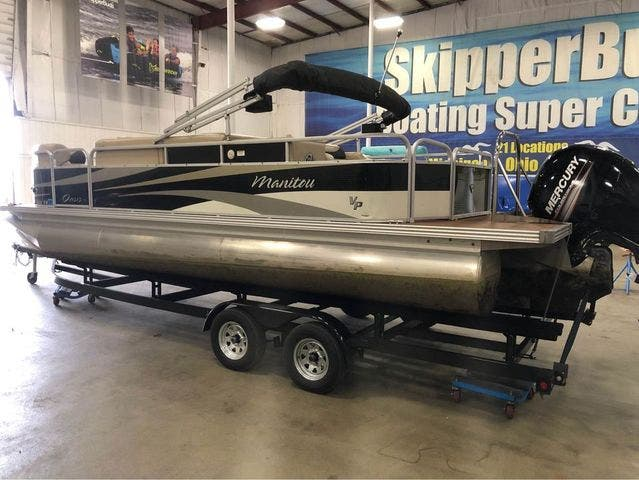 2012 Manitou boat for sale, model of the boat is 23 OASIS SE TT & Image # 3 of 15