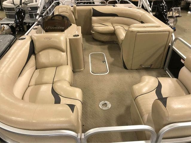 2012 Manitou boat for sale, model of the boat is 23 OASIS SE TT & Image # 9 of 15