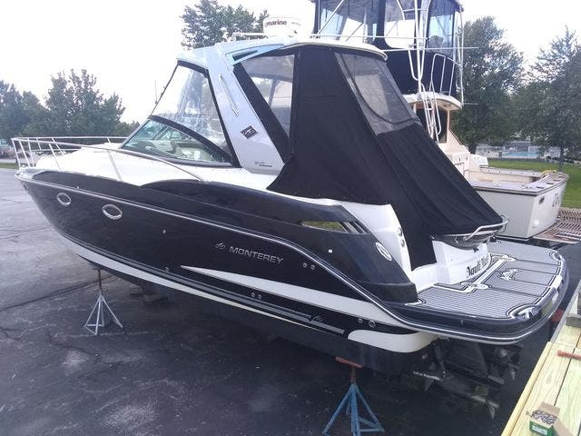2012 Monterey boat for sale, model of the boat is 340 SPORT YACHT & Image # 3 of 54