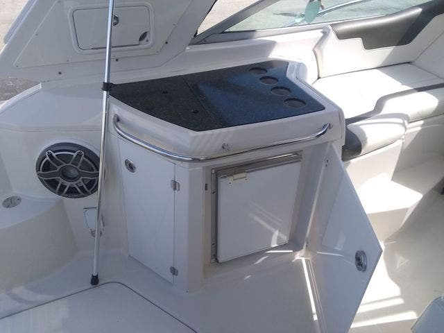 2012 Monterey boat for sale, model of the boat is 340 SPORT YACHT & Image # 20 of 54