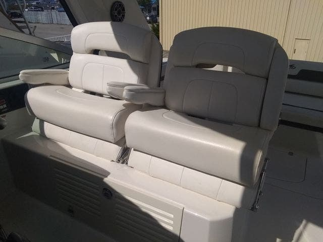 2012 Monterey boat for sale, model of the boat is 340 SPORT YACHT & Image # 24 of 54