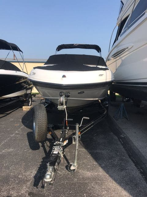 2012 Rinker boat for sale, model of the boat is 196 BOW RIDER & Image # 5 of 29