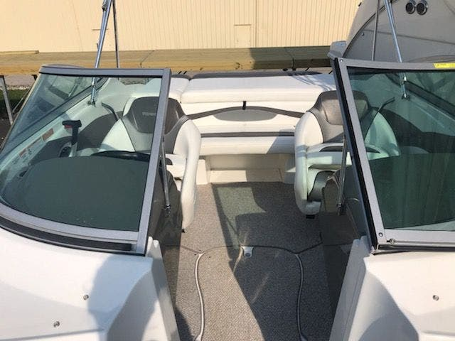 2012 Rinker boat for sale, model of the boat is 196 BOW RIDER & Image # 8 of 29