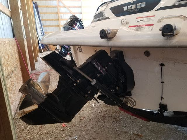 2012 Sea Ray boat for sale, model of the boat is 190 SPORT & Image # 6 of 18