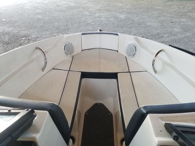 2012 Sea Ray boat for sale, model of the boat is 190 SPORT & Image # 8 of 18