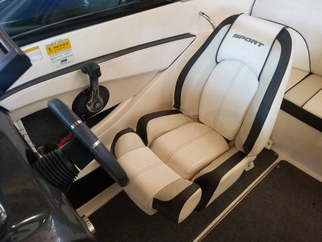 2012 Sea Ray boat for sale, model of the boat is 190 SPORT & Image # 11 of 18