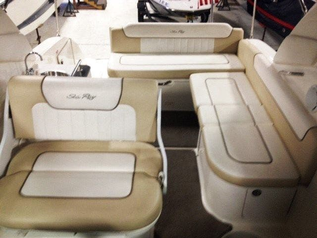 2012 Sea Ray boat for sale, model of the boat is 260 SUNDANCER & Image # 6 of 26