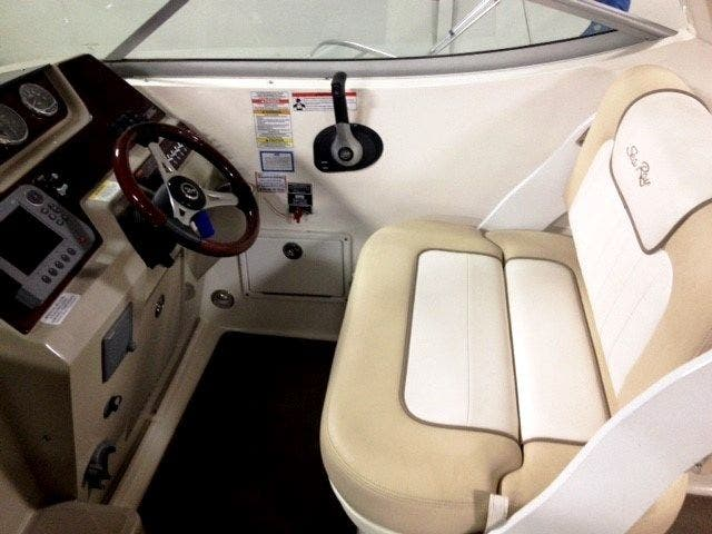 2012 Sea Ray boat for sale, model of the boat is 260 SUNDANCER & Image # 11 of 26