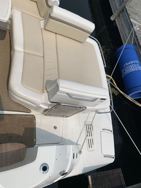 2012 Sea Ray boat for sale, model of the boat is 410 SUNDANCER & Image # 6 of 26