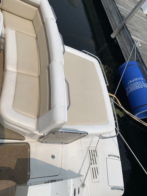 2012 Sea Ray boat for sale, model of the boat is 410 SUNDANCER & Image # 9 of 26