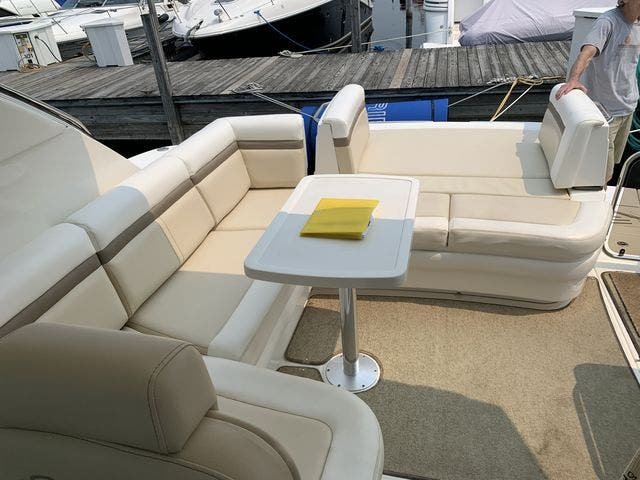 2012 Sea Ray boat for sale, model of the boat is 410 SUNDANCER & Image # 11 of 26