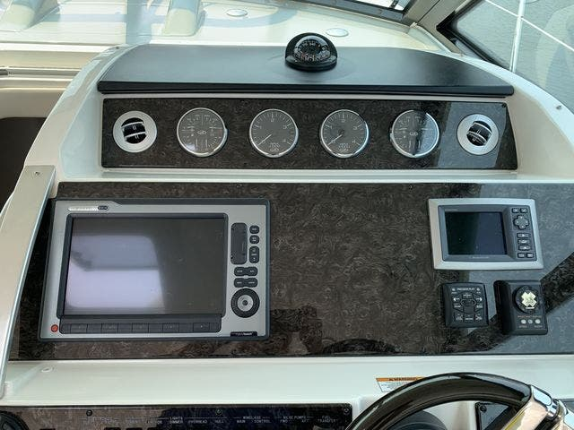 2012 Sea Ray boat for sale, model of the boat is 410 SUNDANCER & Image # 13 of 26