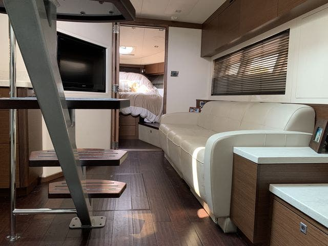 2012 Sea Ray boat for sale, model of the boat is 410 SUNDANCER & Image # 16 of 26