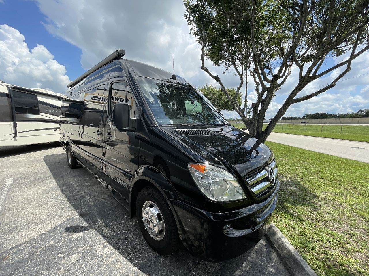 2012 Thor Motor Coach Airstream INTERSTATE EXTENDED