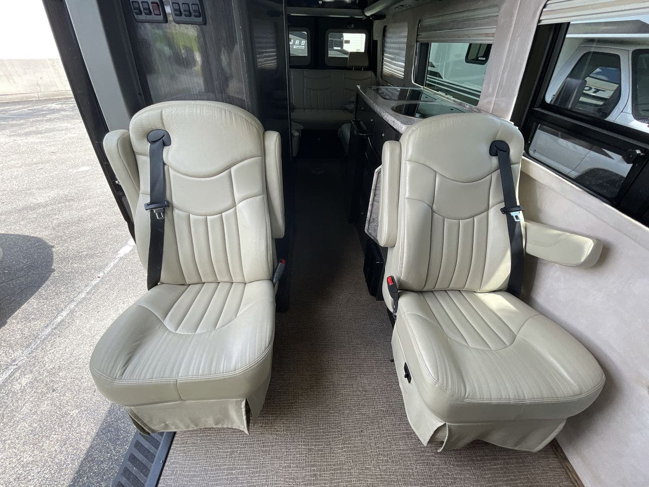 2012    Airstream Interstate 3500 EXT Thumbnail
