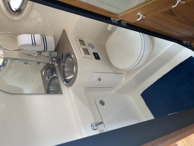 2012 Tiara Yachts boat for sale, model of the boat is 3100Coronet & Image # 18 of 22