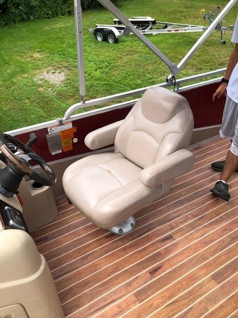 2013 Berkshire Pontoons boat for sale, model of the boat is 230 CL CTS & Image # 7 of 8