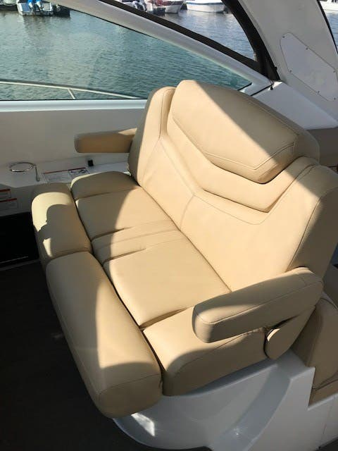 2013 Cruisers Yachts boat for sale, model of the boat is 380 EXPRESS & Image # 3 of 30