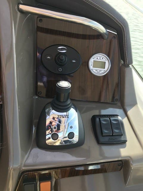 2013 Cruisers Yachts boat for sale, model of the boat is 380 EXPRESS & Image # 6 of 30