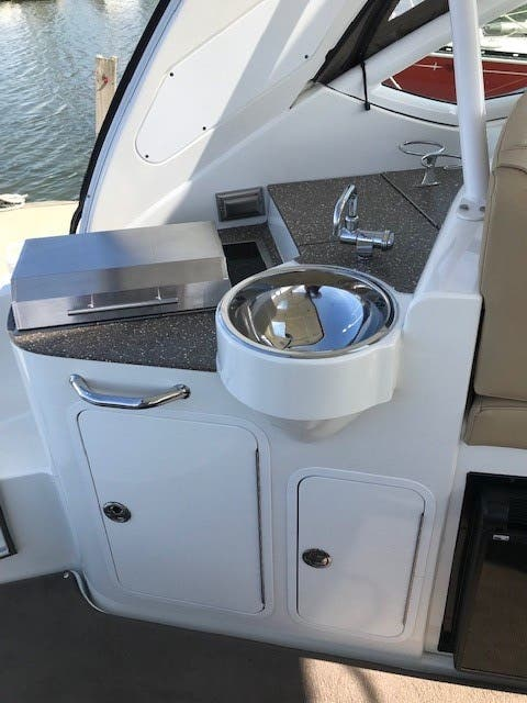 2013 Cruisers Yachts boat for sale, model of the boat is 380 EXPRESS & Image # 10 of 30