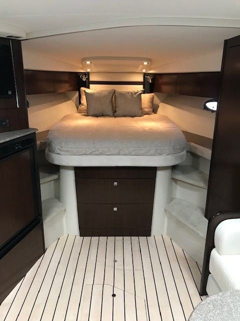 2013 Cruisers Yachts boat for sale, model of the boat is 380 EXPRESS & Image # 30 of 30
