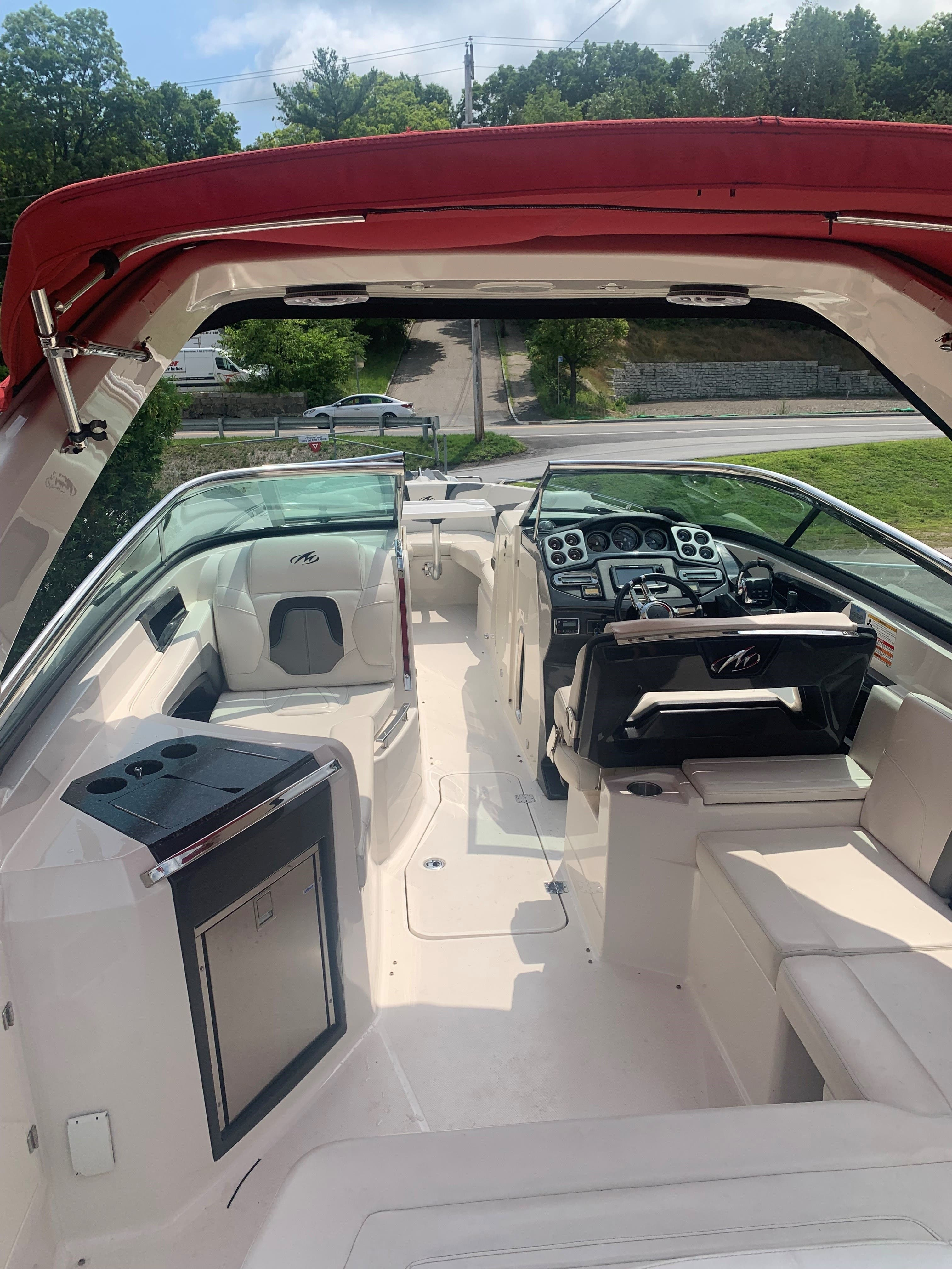 2013 Monterey boat for sale, model of the boat is 328SS & Image # 4 of 10