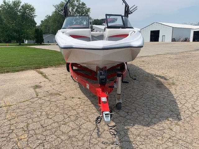 2013 Tige boat for sale, model of the boat is R20 & Image # 4 of 20