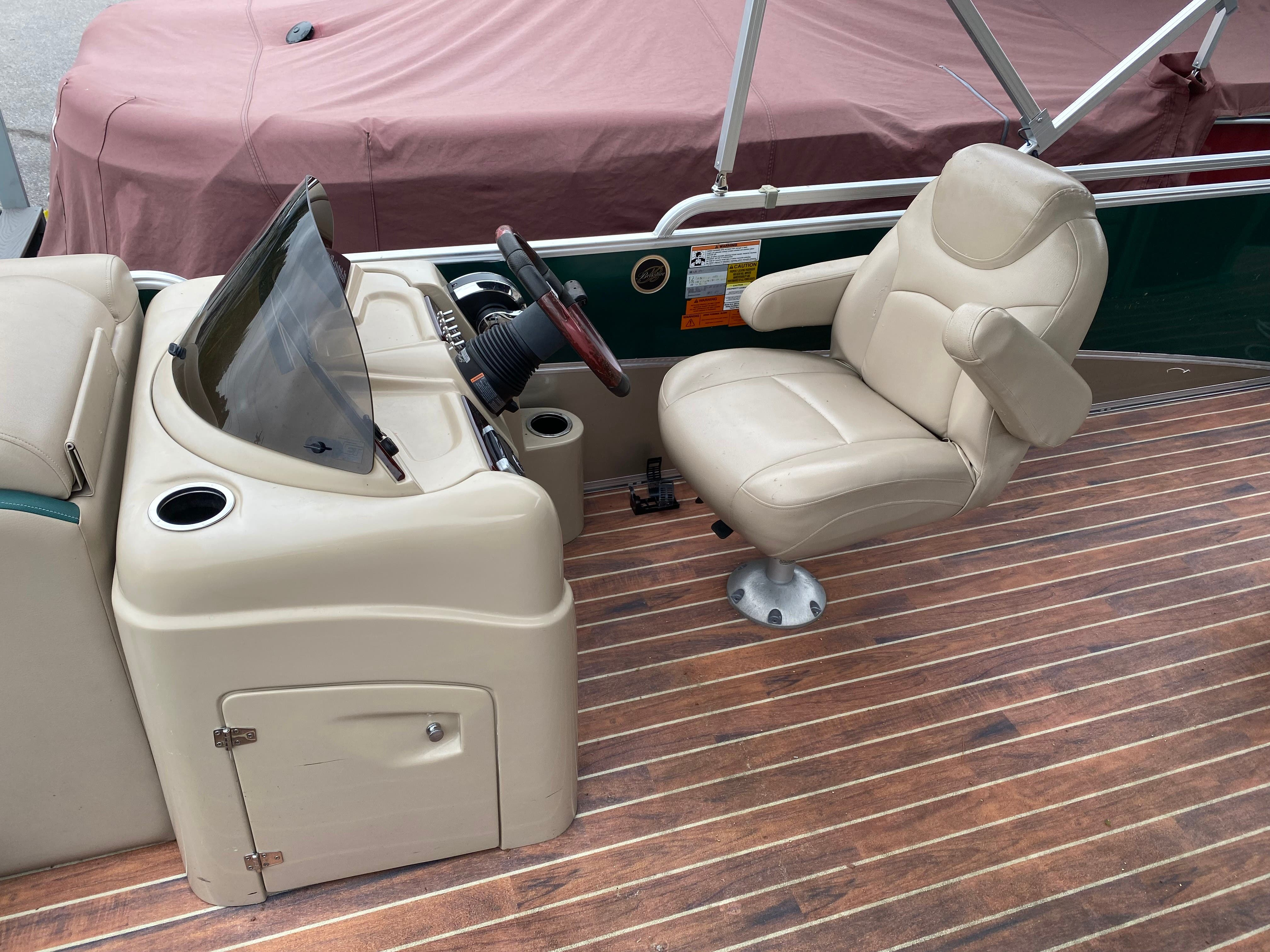 2014 Berkshire Pontoons boat for sale, model of the boat is 230 CL STS & Image # 9 of 9