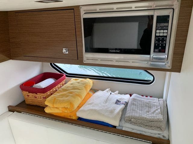 2014 Cruisers Yachts boat for sale, model of the boat is 328 CX & Image # 9 of 12